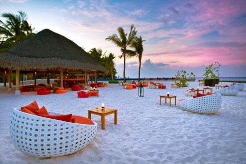 53fc4ec2b61a9eb86e9b988a_destin_maldives.jpg