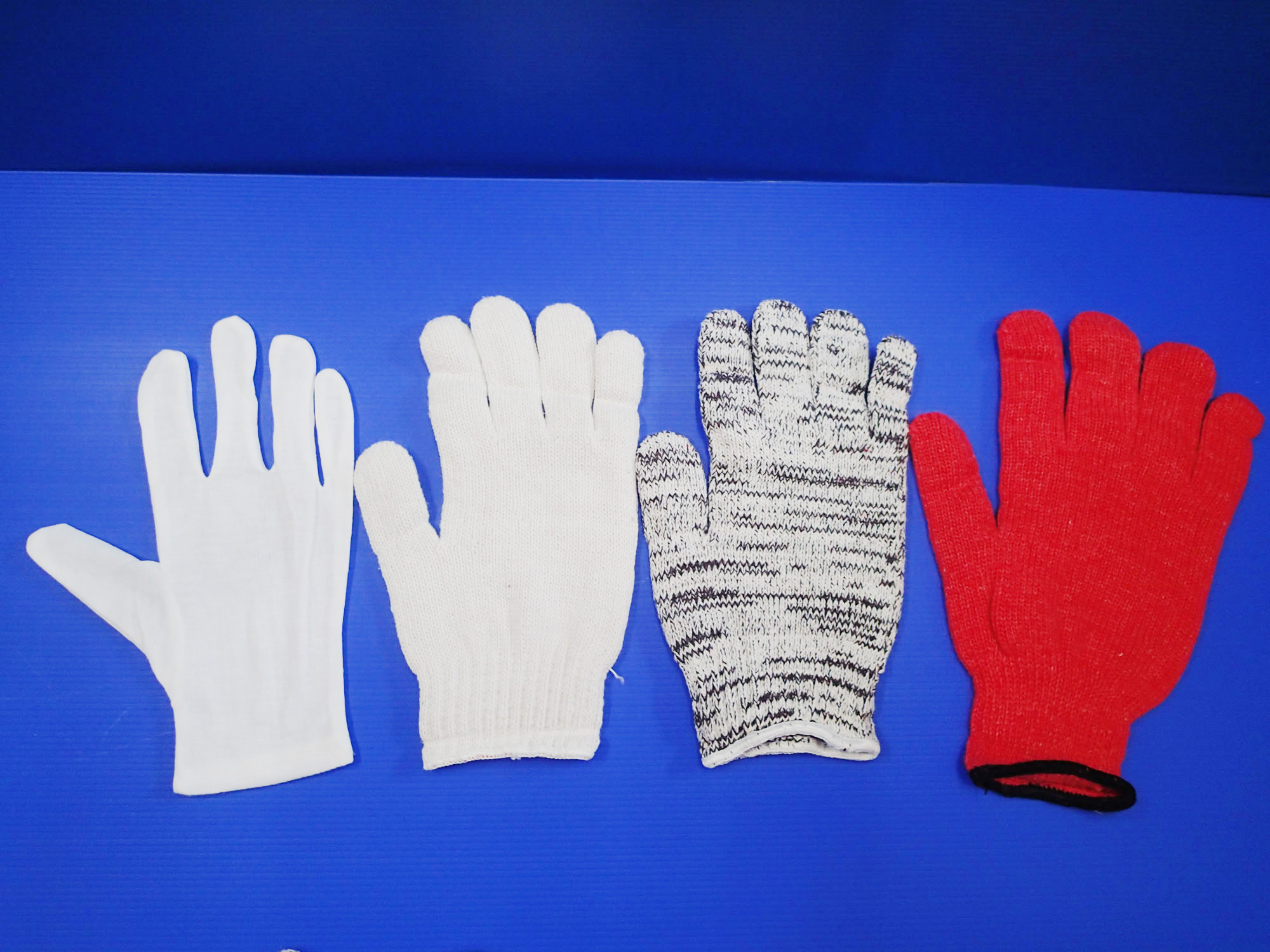 53607f5ced84385075000381_D3-Cotton-Gloves-1.jpg