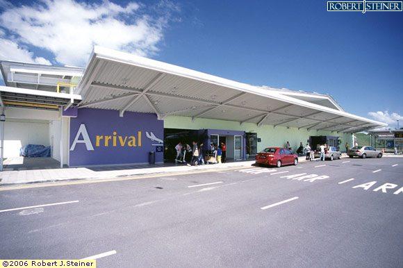 changi airport terminal 4 arrival hall image singapore. Black Bedroom Furniture Sets. Home Design Ideas